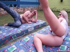Loira Brasileira torturando homem tarado