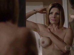 Atriz Helena Fernandes pelada mostrando peitos