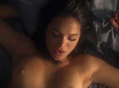 Bruna Marquezine pelada nua fazendo cena de sexo