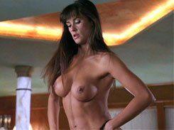 Demi Moore pelada nua fazendo Striptease