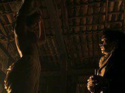 Yanna Lavigne pelada nua em Liberdade, Liberdade