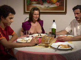 Letícia Spiller Pelada Nua mostrando peitinhos