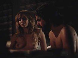 Simone Spoladore pelada nua transando em filme