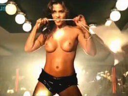 Suzana Alves a Tiazinha fazendo Strip Tease