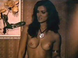 Suzana Alves a Tiazinha mostrando peitão gostoso