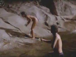 Atriz Glória Pires pelada nua no rio em filme