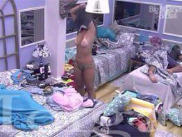 Vivian Amorim mostrando os peitões no BBB17